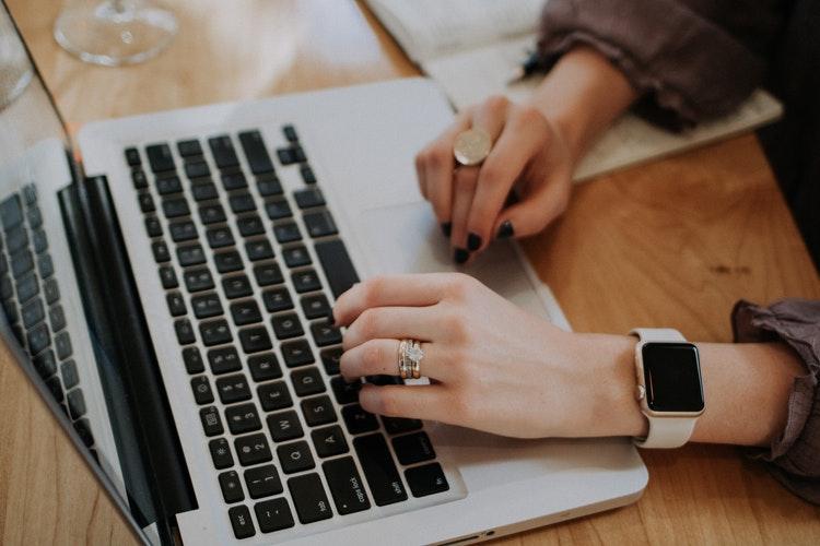 Trong tương lai, khi dịch bệnh kết thúc, làm việc online có thể sẽ vẫn là lựa chọn của nhiều công ty. Ảnh minh họa
