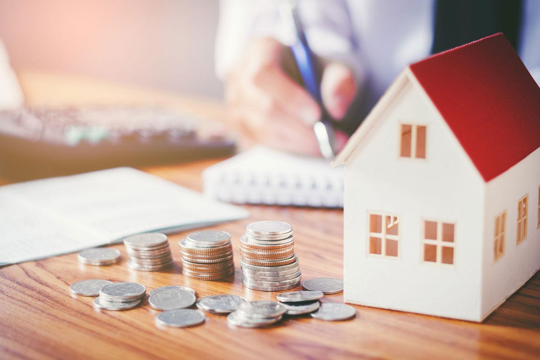 Lệ phí trước bạ là một trong những khoản phải nộp khi giao dịch nhà, đất. Ảnh minh họa