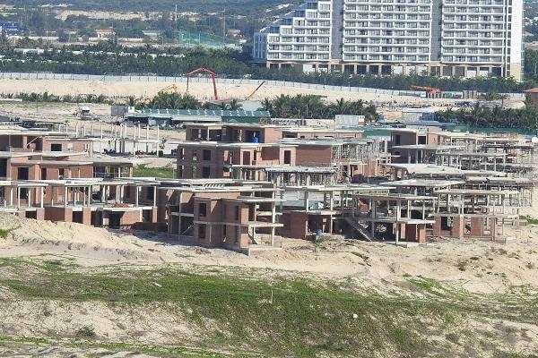 Các dự án phải điều chỉnh từ đất ở không hình thành đơn vị ở sang đất thương mại dịch vụ.