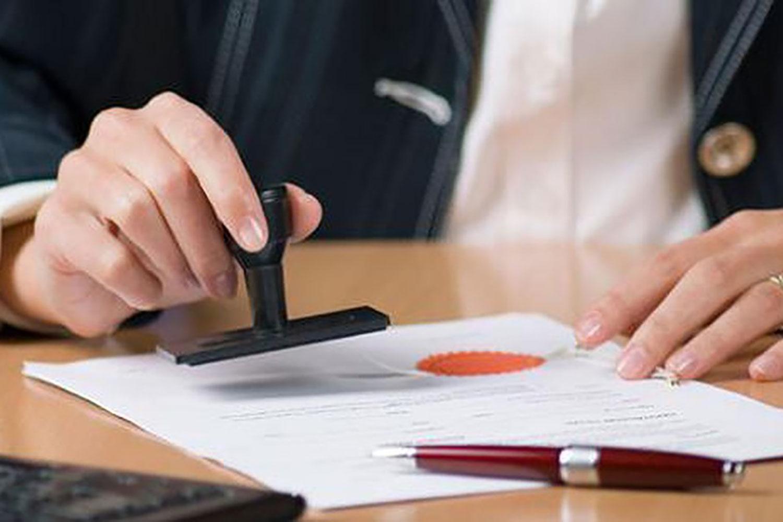 Công chứng giúp đảm bảo tính pháp lý cho hợp đồng mua bán nhà đất. Ảnh minh họa: Internet