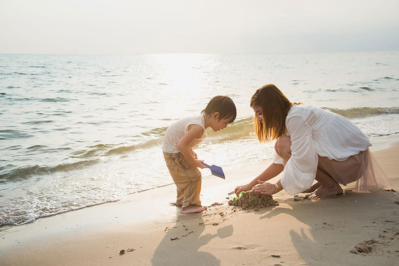 Cuộc sống của một người mẹ đơn thân quả thực không hề dễ dàng. Chính con trai là niềm động lực giúp tôi vượt qua tất cả. Ảnh minh họa
