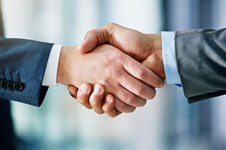 Người mua nhà cần xem xét năng lực tài chính của chủ đầu tư trước khi giao dịch. Ảnh minh họa: Internet