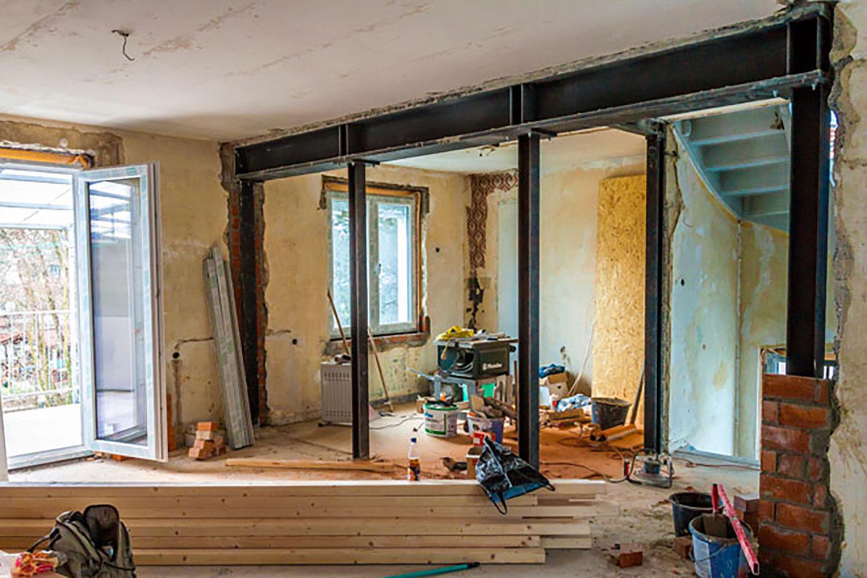 Nhằm tiết kiệm chi phí, nhiều người chọn mua nhà cũ thay vì nhà mới. Ảnh minh họa: Internet