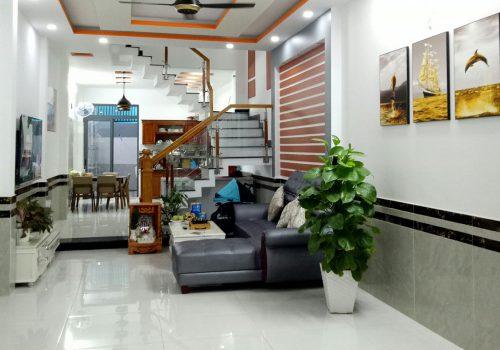Bán nhà mặt tiền đường Vũ Hữu