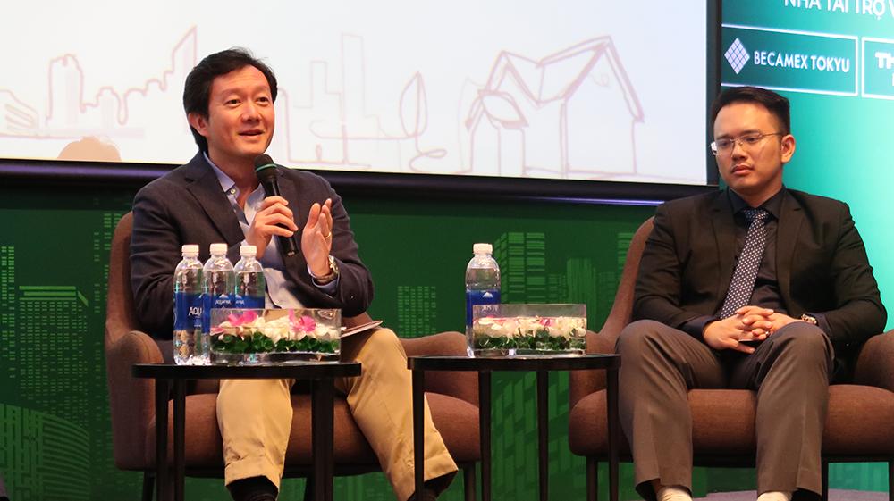Ông Robert Vũ, CEO Batdongsan.com.vn và ông Nguyễn Quốc Anh PTGĐ Batdongsan.com.vn tại buổi công bố báo cáo thị trường quý 2/2020