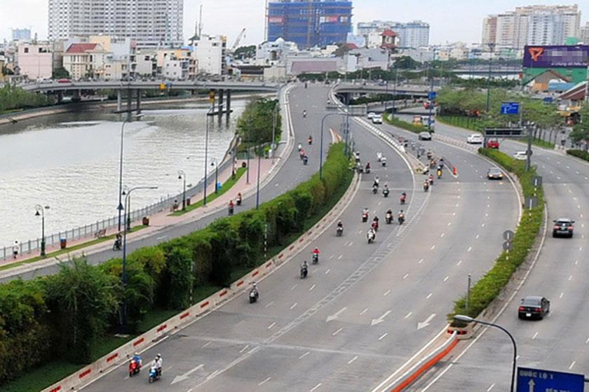 Đường Võ Văn Kiệt là trục đại lộ Đông - Tây của TP.HCM