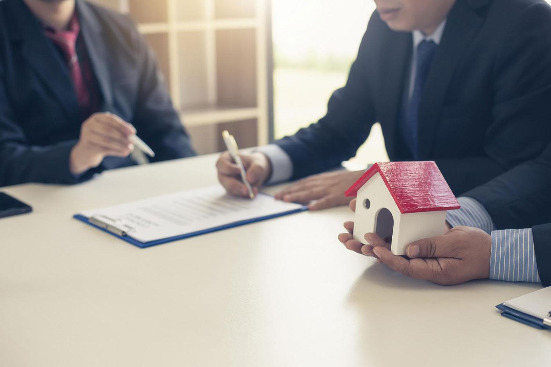 Pháp luật có quy định cụ thể về việc thế chấp nhà ở thuộc sở hữu chung. Ảnh minh họa: Internet