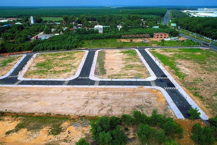 Đất không có sổ đỏ thường khó bán lại, nếu có cũng dễ bị người mua ép giá. Ảnh minh họa: Internet