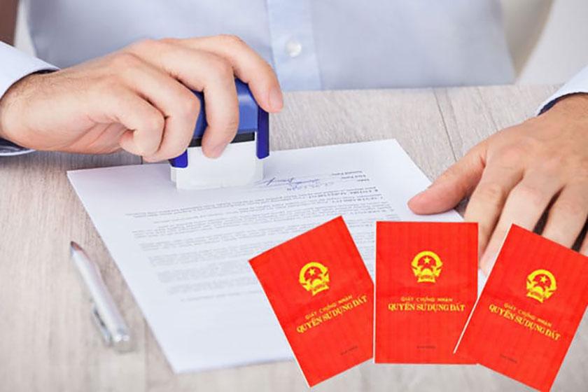 Thủ tục làm sổ đỏ theo Luật Đất đai mới nhất được quy định như thế nào? Ảnh minh họa: Internet