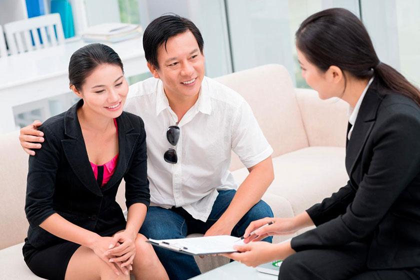 Môi giới có vai trò quan trọng giúp kết nối người mua và người bán. Ảnh minh họa
