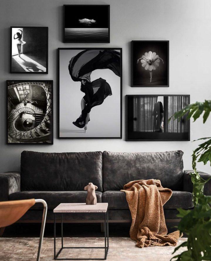 Phòng khách sẽ thú vị và hấp dẫn hơn nếu bạn sơn tường màu xám và sử dụng nội thất cùng tông màu nhưng với sắc thái đậm, tối hơn.
