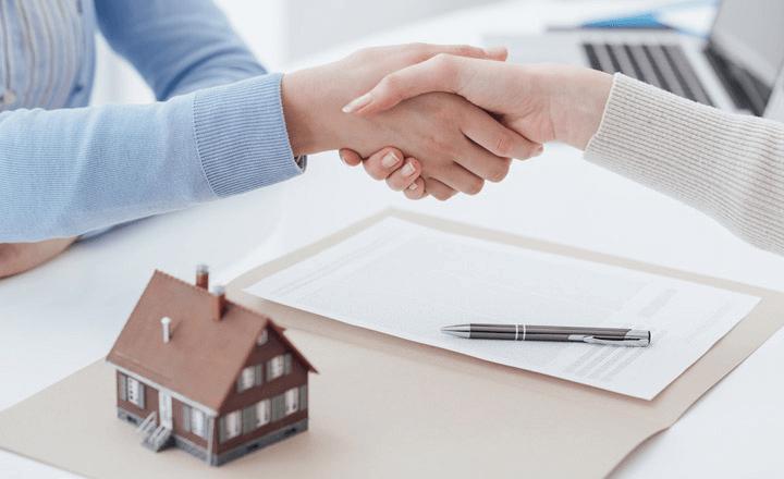 Cần kiểm tra kỹ các vấn đề liên quan đến pháp lý của ngôi nhà xây sẵn để hạn chế rủi ro về sau.