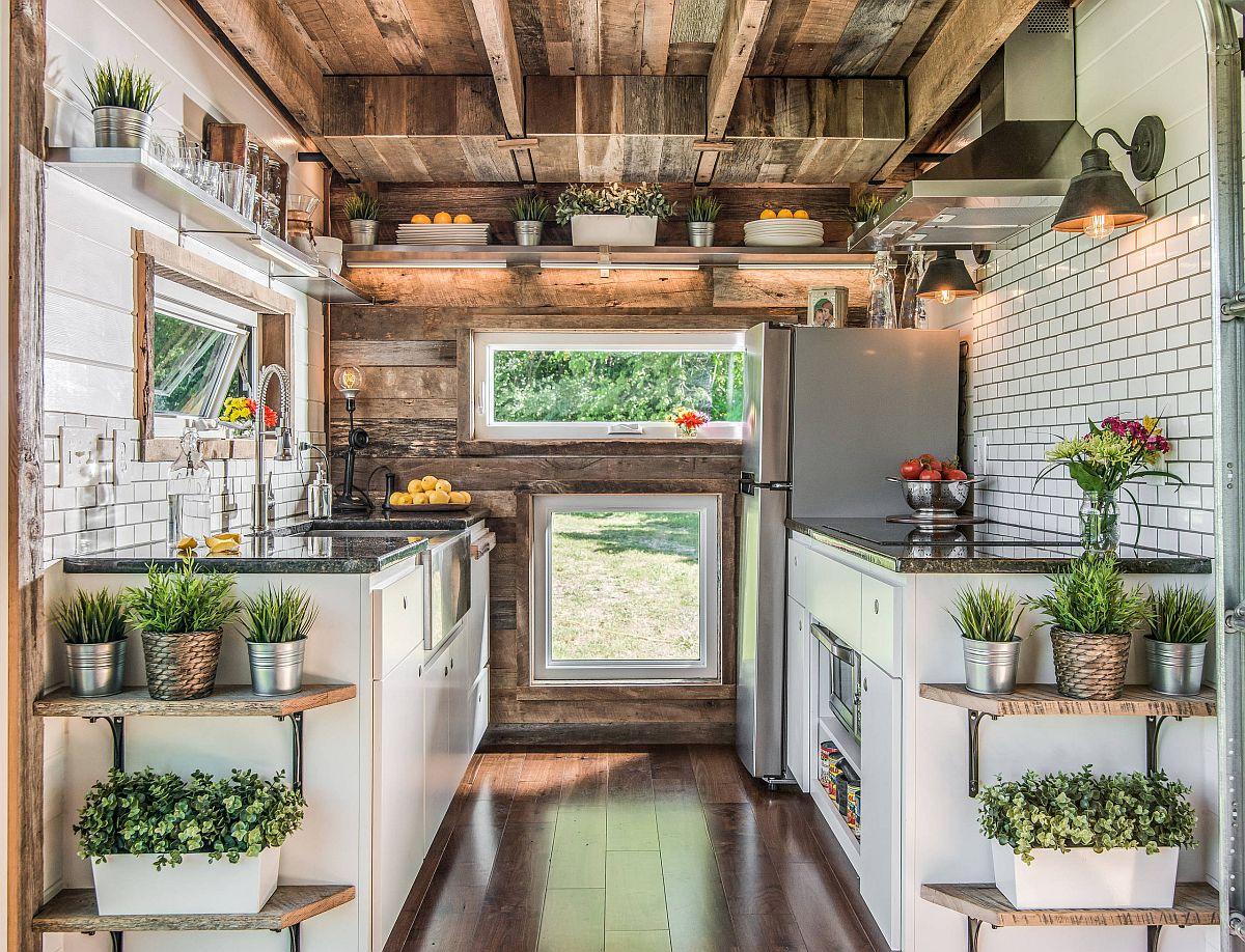 Nếu thiếu vườn thảo mộc xanh mướt thì phòng bếp này hẳn sẽ đơn điệu, tẻ nhạt.