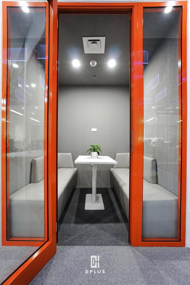 Không gian mở nhưng vẫn đảm bảo yếu tố riêng tư tại văn phòng DLS