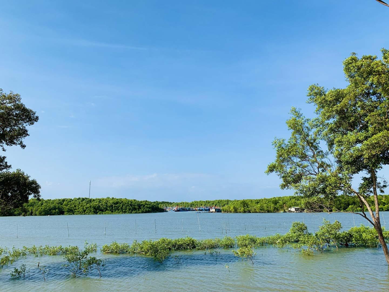 Sông nước góp phần thanh lọc không khí, hơi nước làm không khí hài hòa và tươi mát hơn