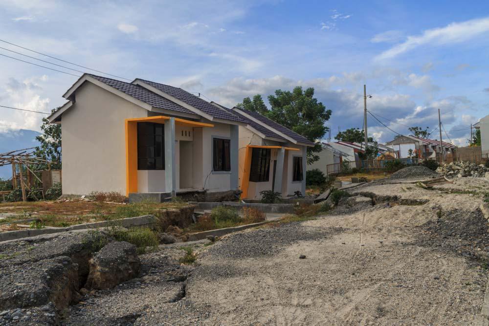 Bạn nên tìm hiểu kỹ nền địa chất của mảnh đất để đảm bảo việc xây nhà sau này được thuận lợi