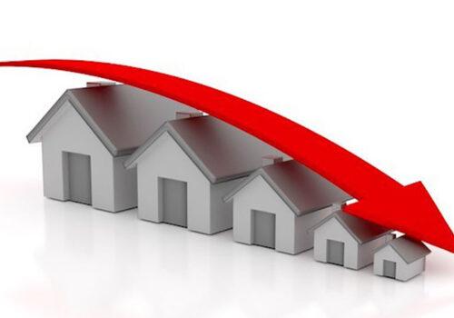 Muốn mua bất động sản giá tốt hãy đợi đến tháng 8!