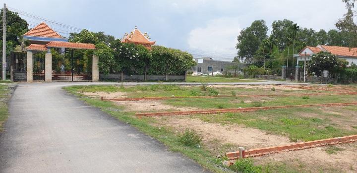 Một dự án đất nền phân lô trên địa bàn huyện Đức Hòa Long An.